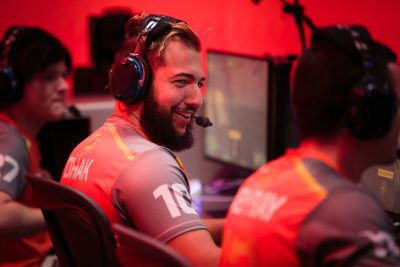 Competitive video games could be as big as Major League Baseball